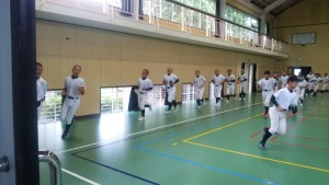 第50回 選手権大会宮崎県予選会の2日目は、天候不良のため 6月8日に延期になりました。 宮崎西部ボーイズは 体育館練習を行いました。